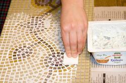 Делаем стол из мозаики своими руками