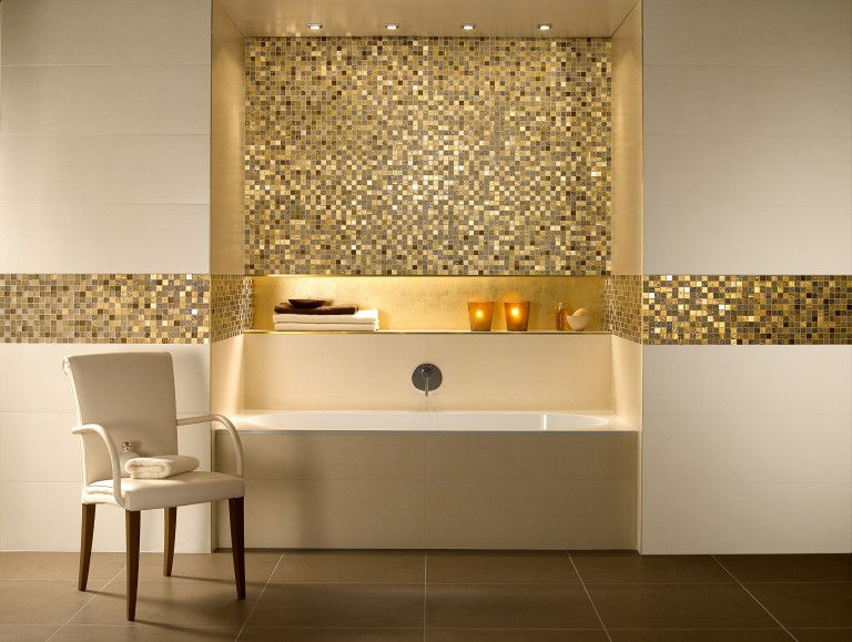 Badezimmer beige mosaik