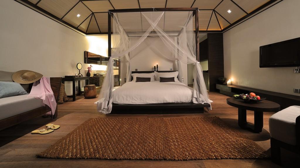 Интерьеры спальни с балдахином