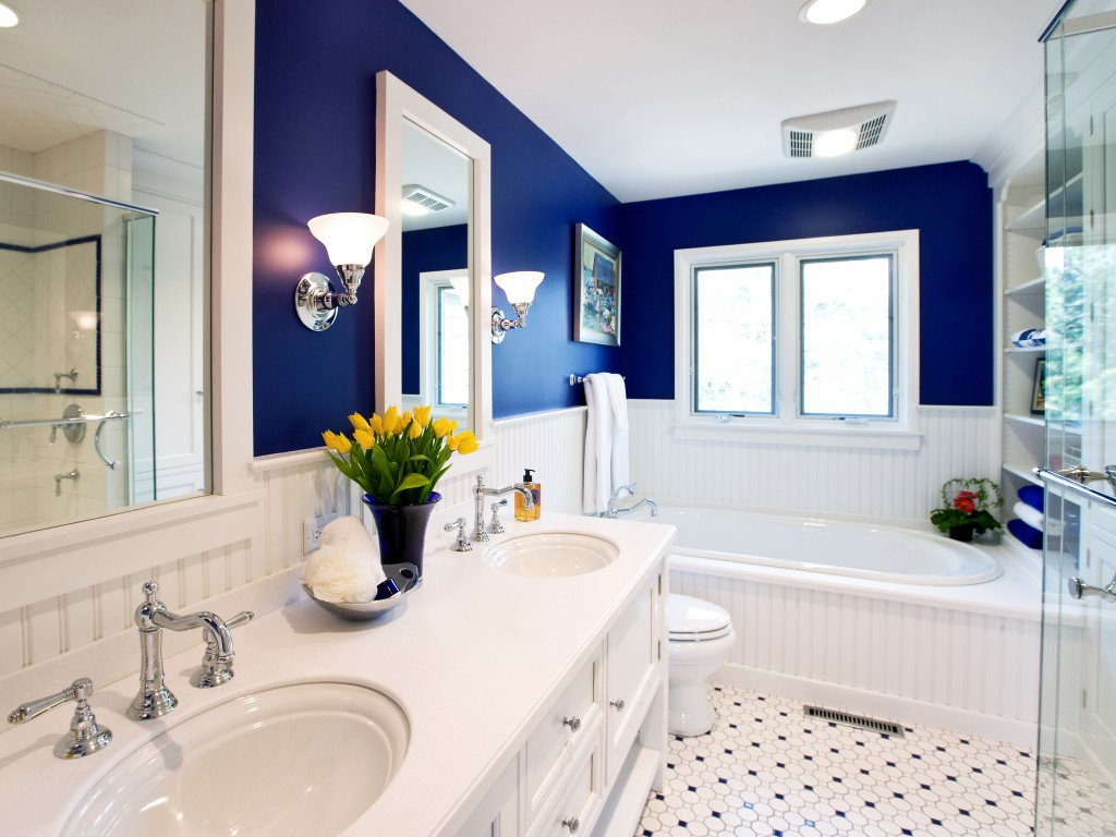 Дизайн ванной комнаты в контастных цветах