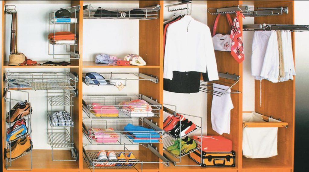 стеллажи в гардеробной