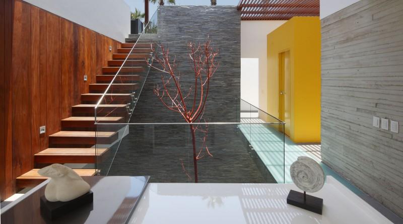 отделка поверхностей камнем и деревом