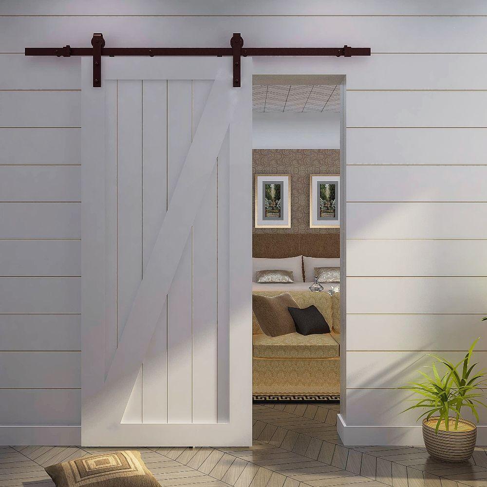Светлые межкомнатные двери в интерьере квартиры