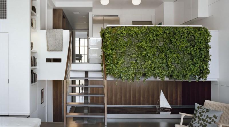 Интерьер квартиры с живыми растениями