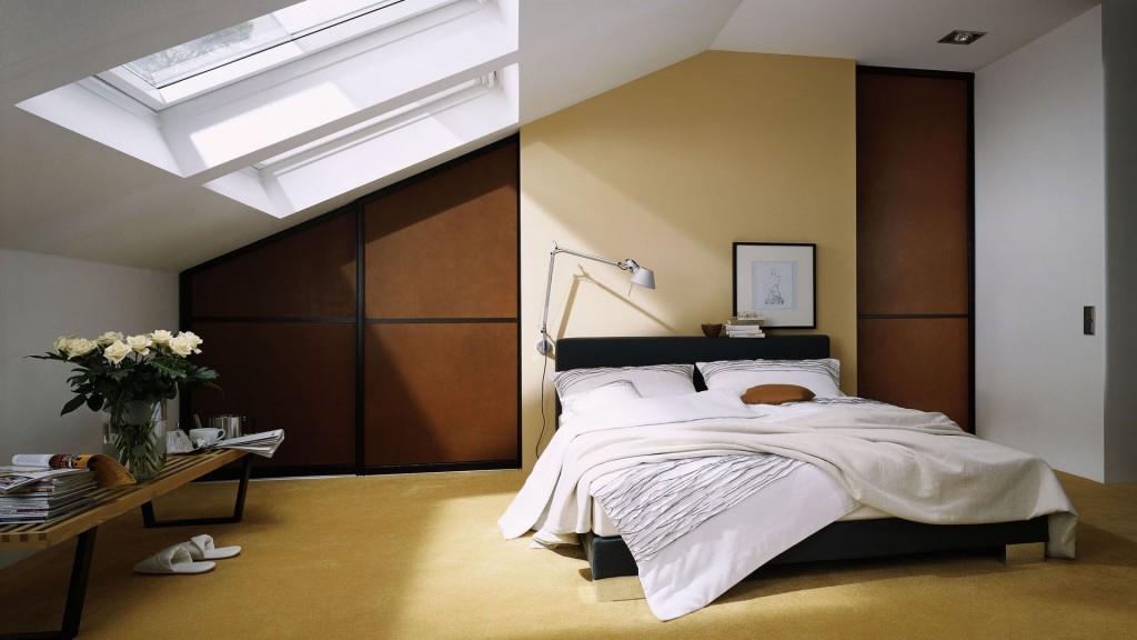 Miegamojo dizainas palėpėje
