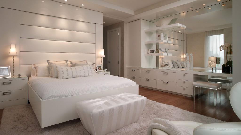 Интерьеры спальни в белой палитре