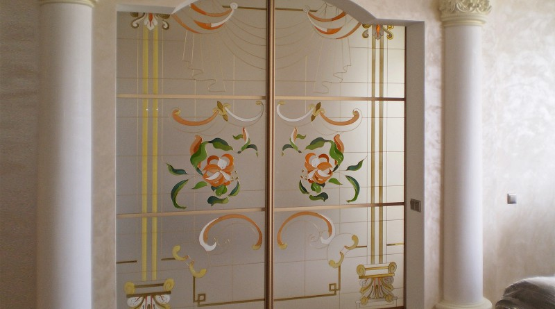 Двери стеклянные в интерьере