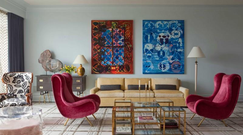 Абстрактные полотна в гостиной