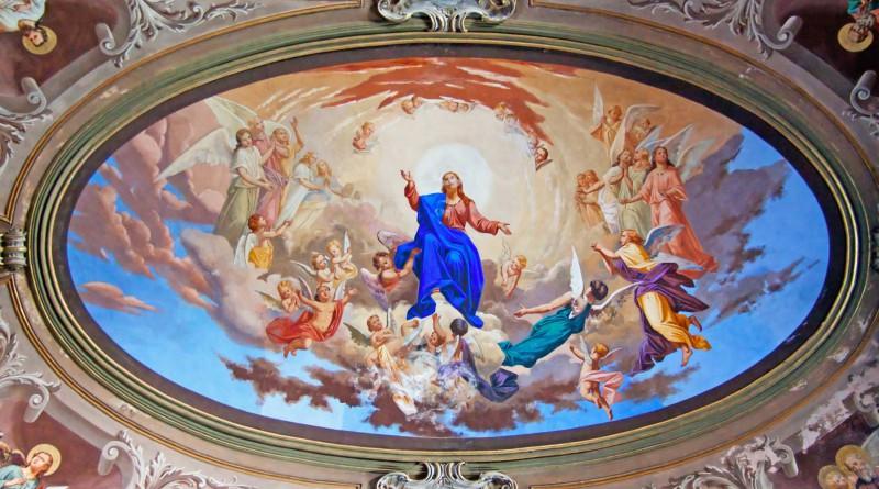 Фреска на потолке, классический сюжет.