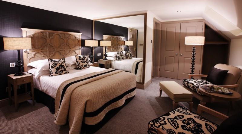 Интерьеры спальни с изголовьем кровати