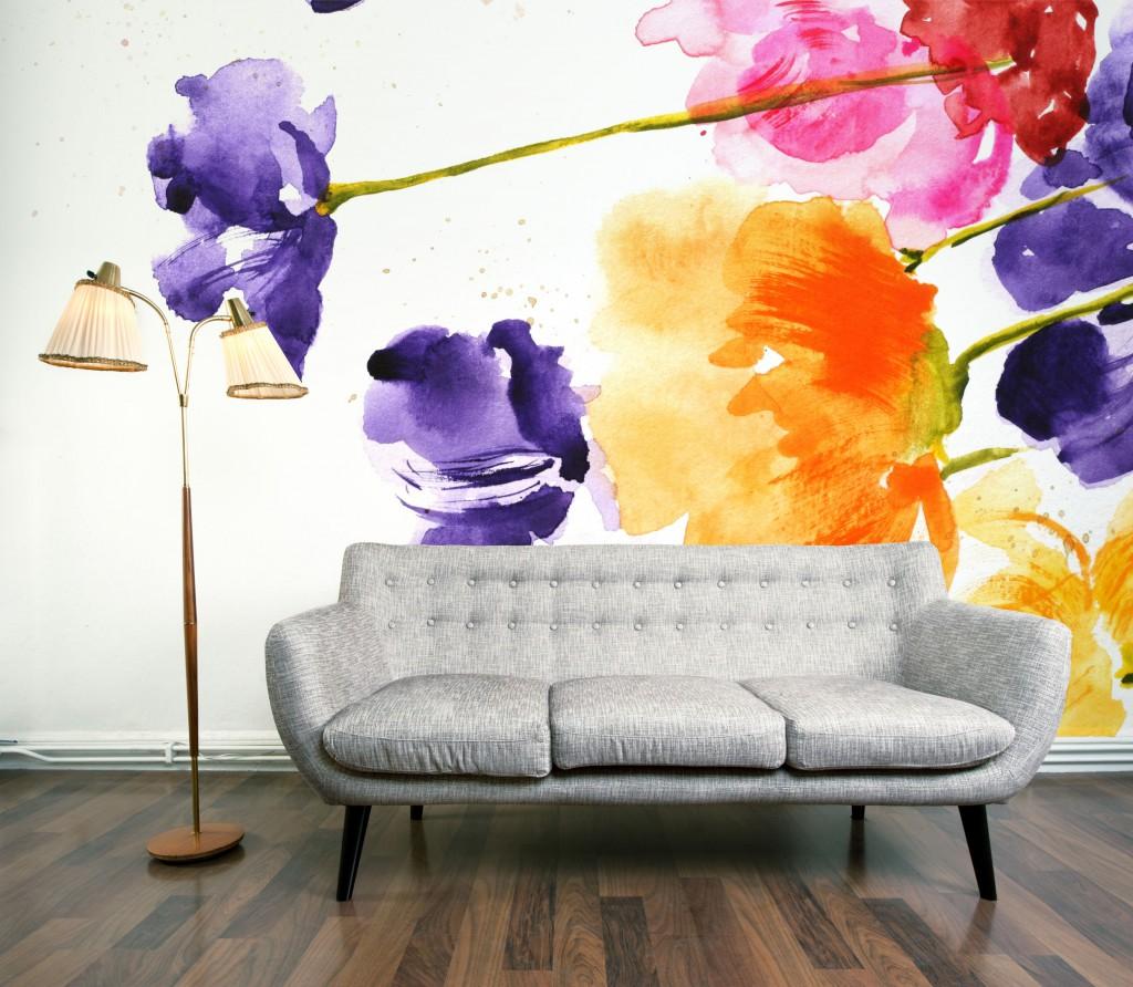 Фрески на стене гостиной