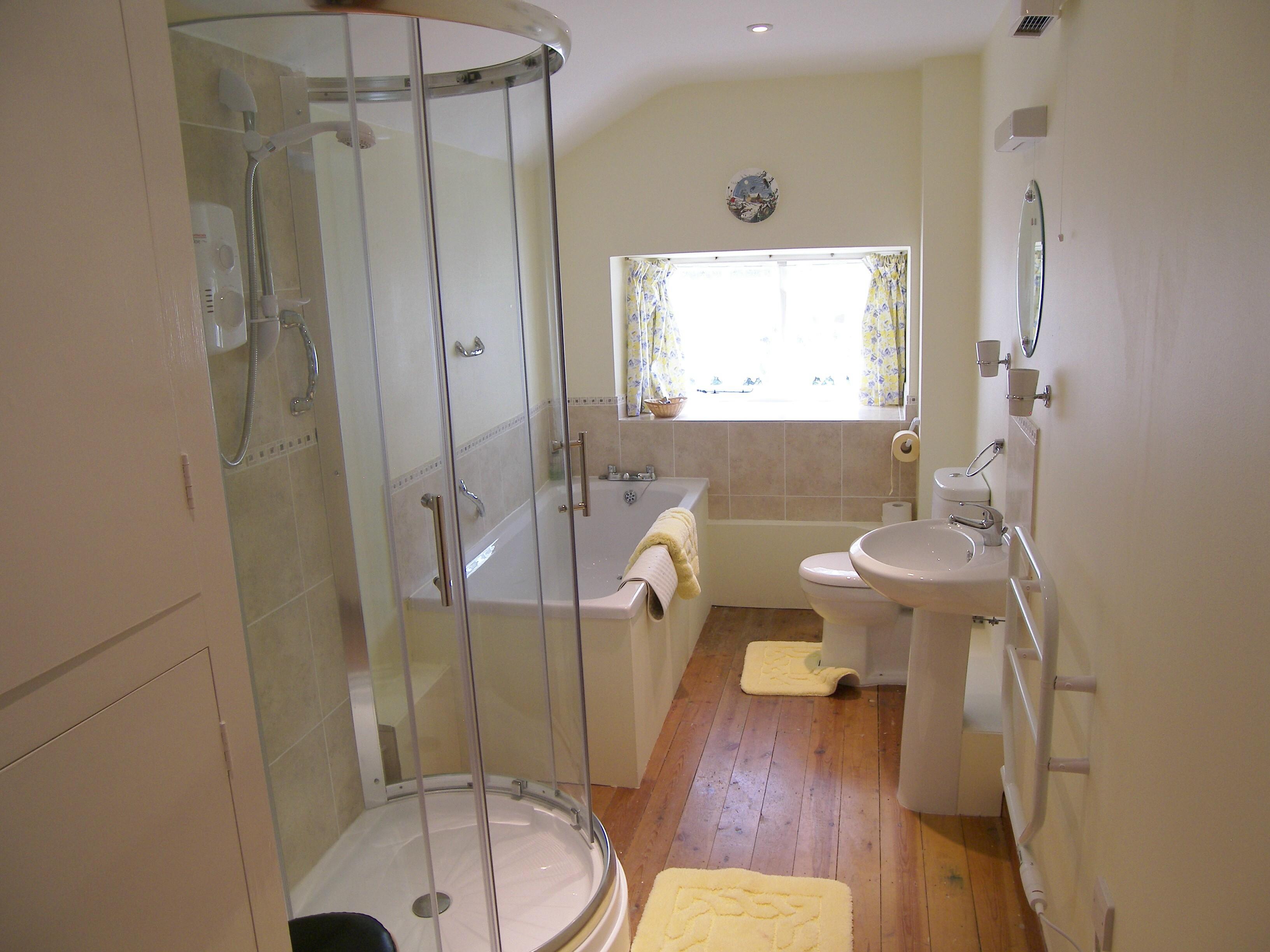 Дизайн ванных комнат с окном 6 кв.м
