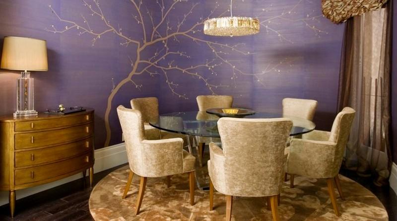 Фреска на стене в интерьере гостиной