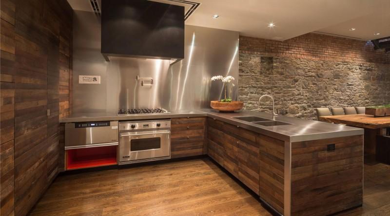 отделка стен кухни камнем