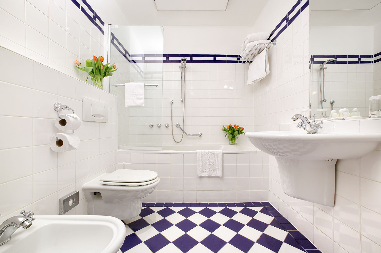 Дизайн белой ванны