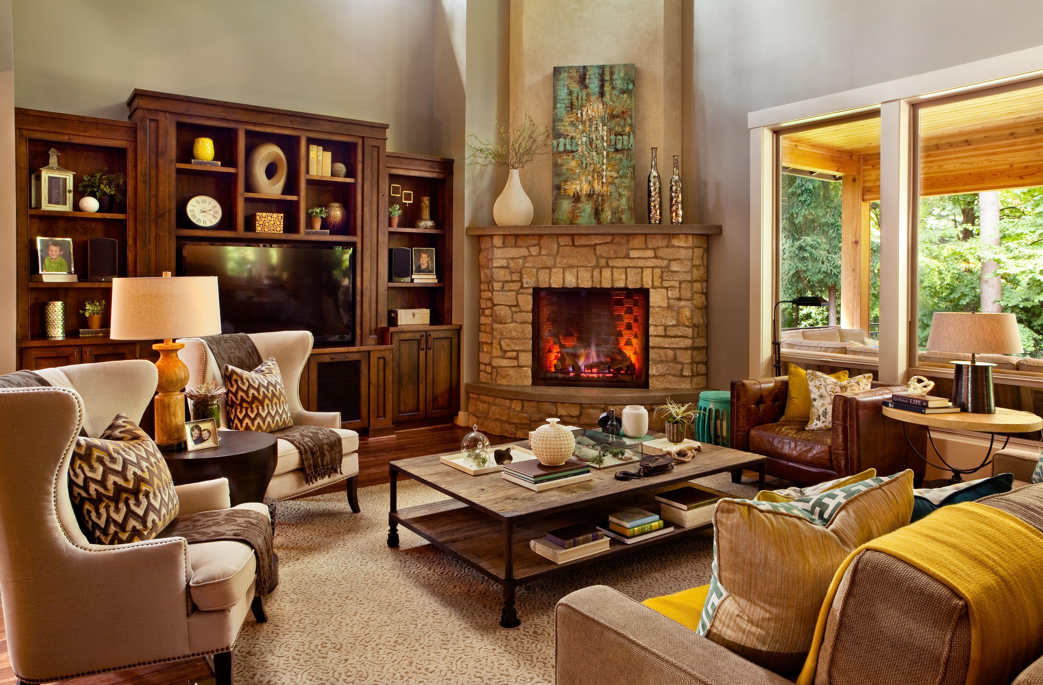 Дизайн интерьера дома с камином