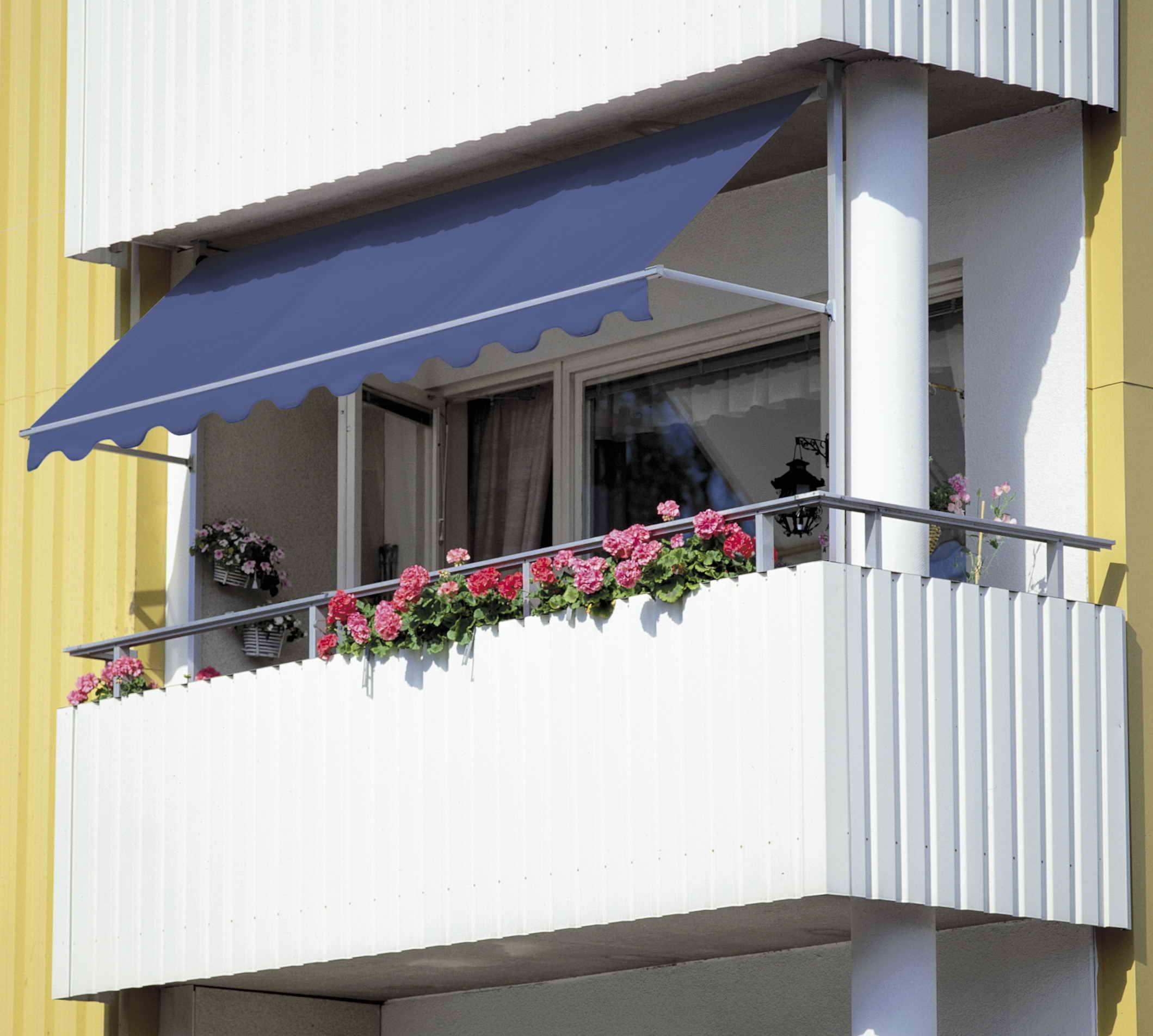 Как своими руками сделать козырек на балконе фото 4