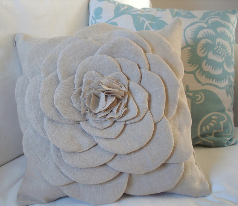 Цветы из ткани для подушек своими руками фото 47
