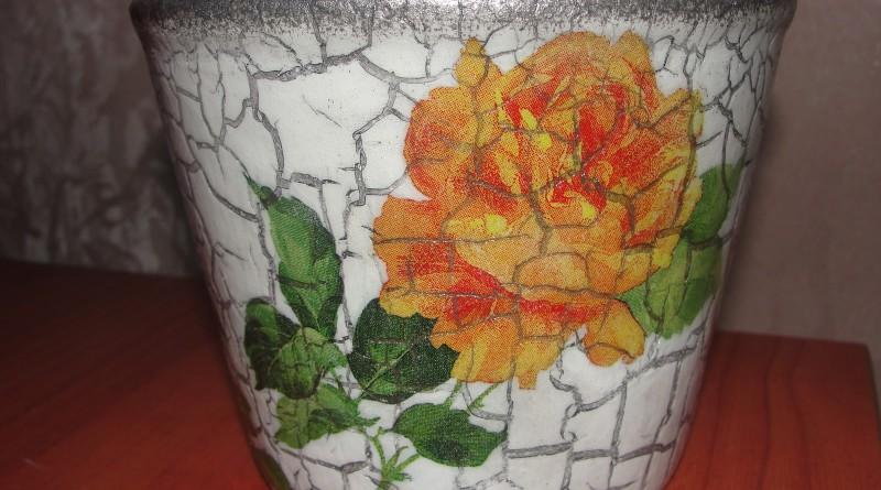 Чем декорировать цветочный горшок своими руками из подручных материалов