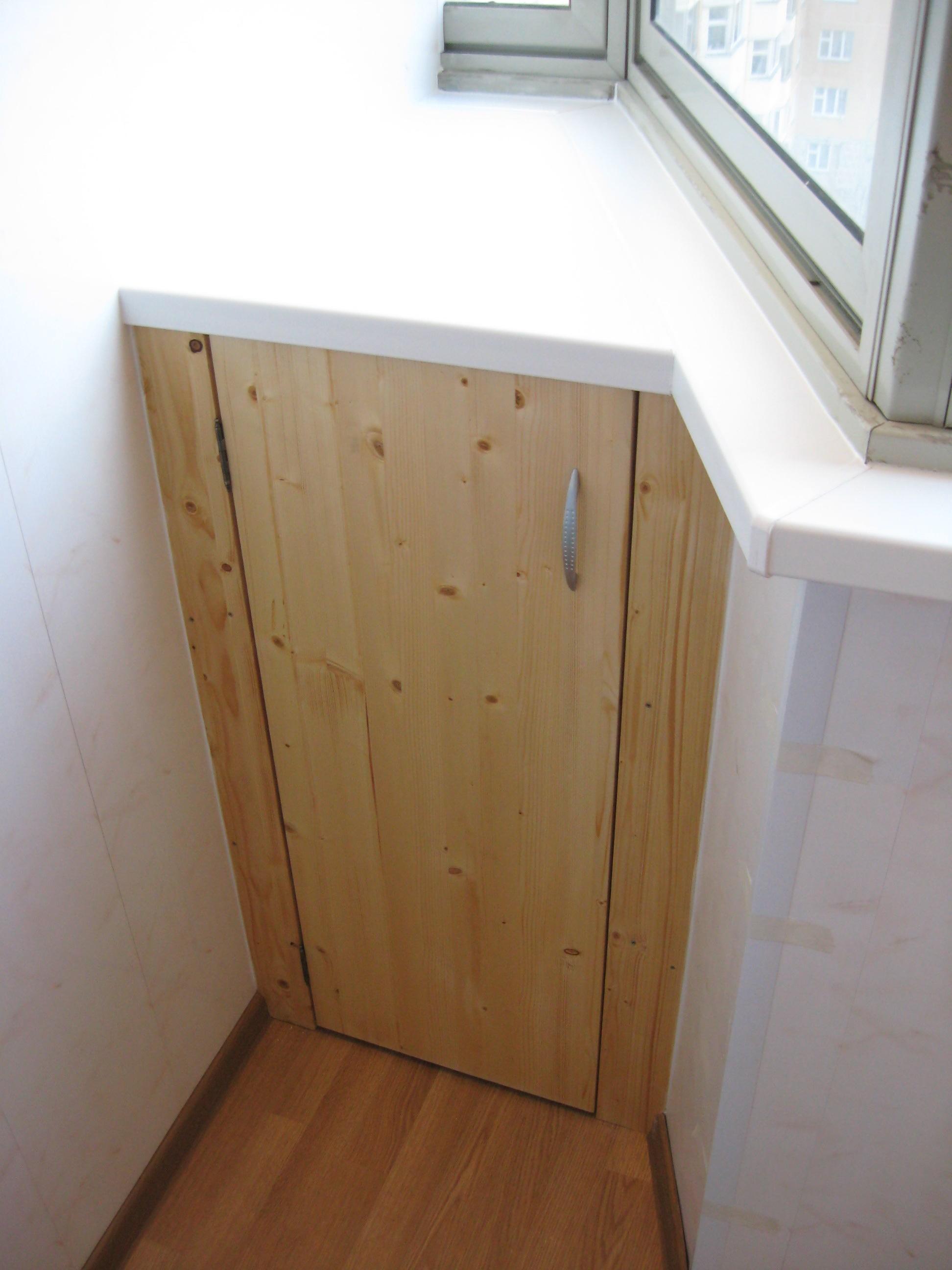 Шкаф на балконе с пвх панелей..