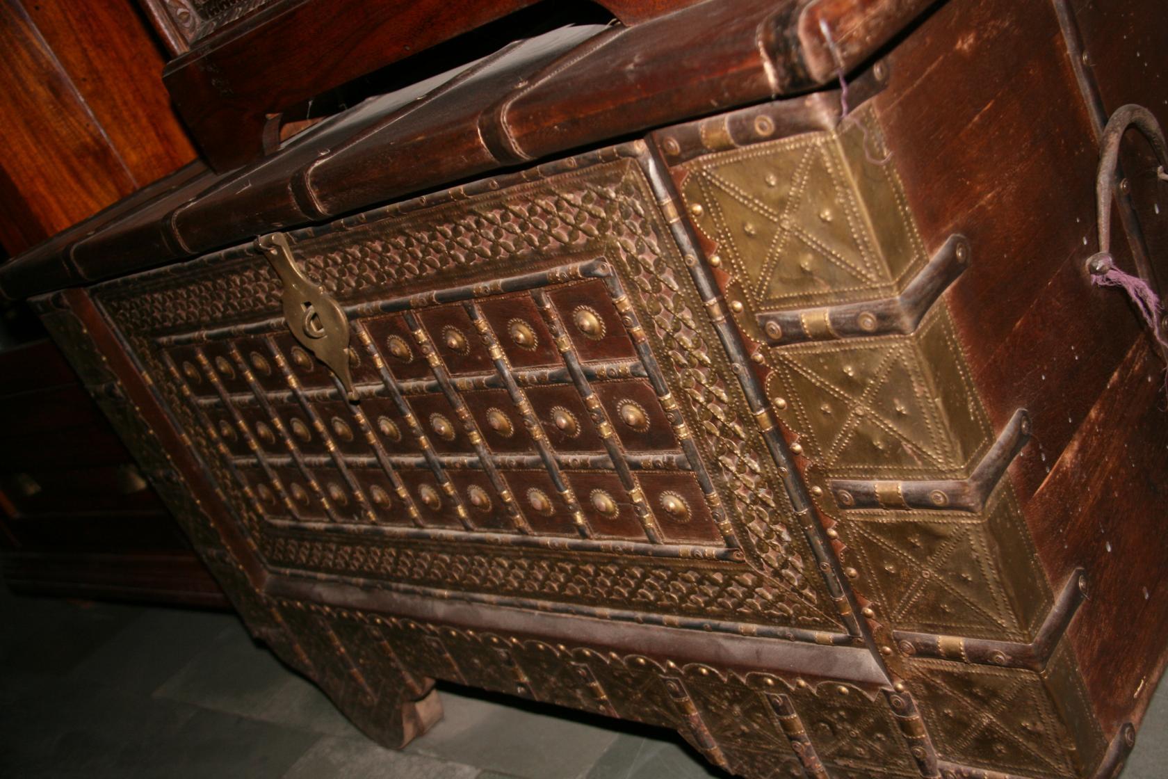 Реставрация деревянного сундука своими руками фото