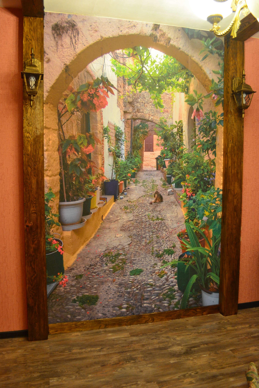 Как выбрать обои для стен для прихожей ...: dekormyhome.ru/dekorativnye-materialy/steny/oboi-dlya-sten-dlya...