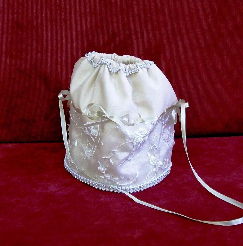 Как сшить невесте сумочку 193