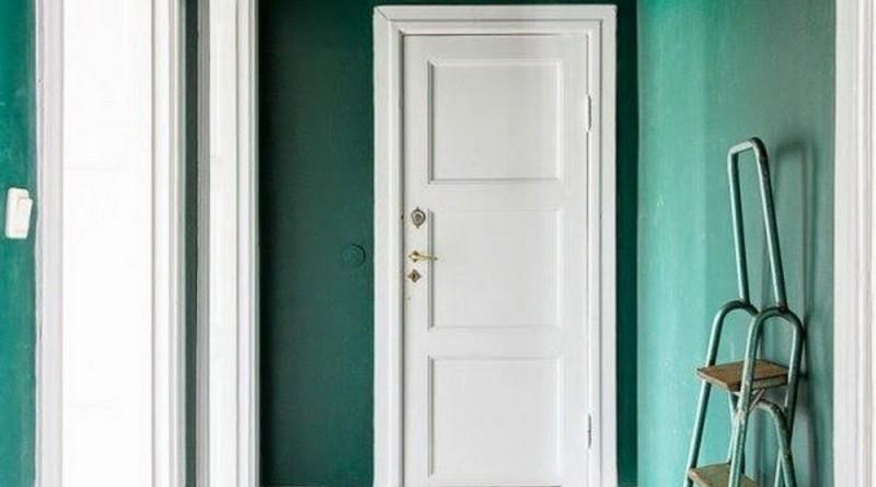 в какой цвет можно покрасить потолок