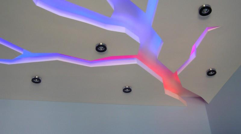 Потолки из гипсокартона и с натяжным потолков своими руками