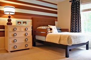 комод и кровать