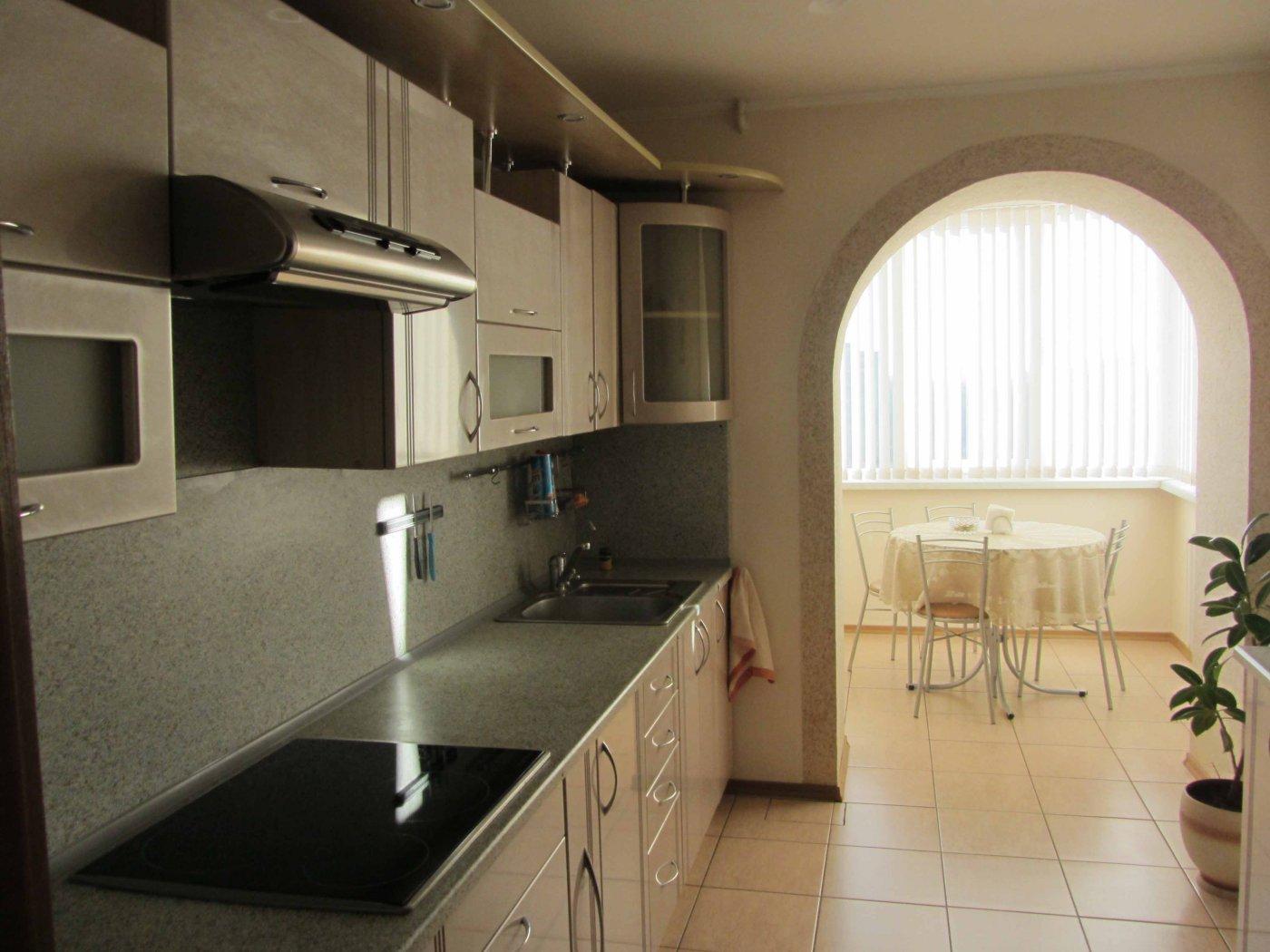 Как сделать кухню на балконе: особенности перепланировки +40.