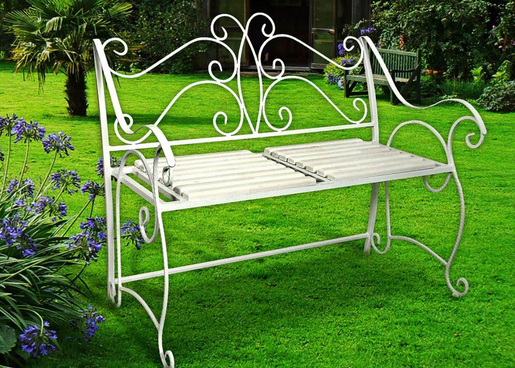 белая скамейка