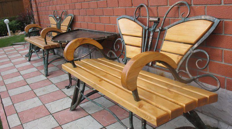 Кованая скамейка — как правильно подойти к ее изготовлению