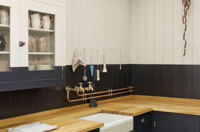 черно-бежевая кухня