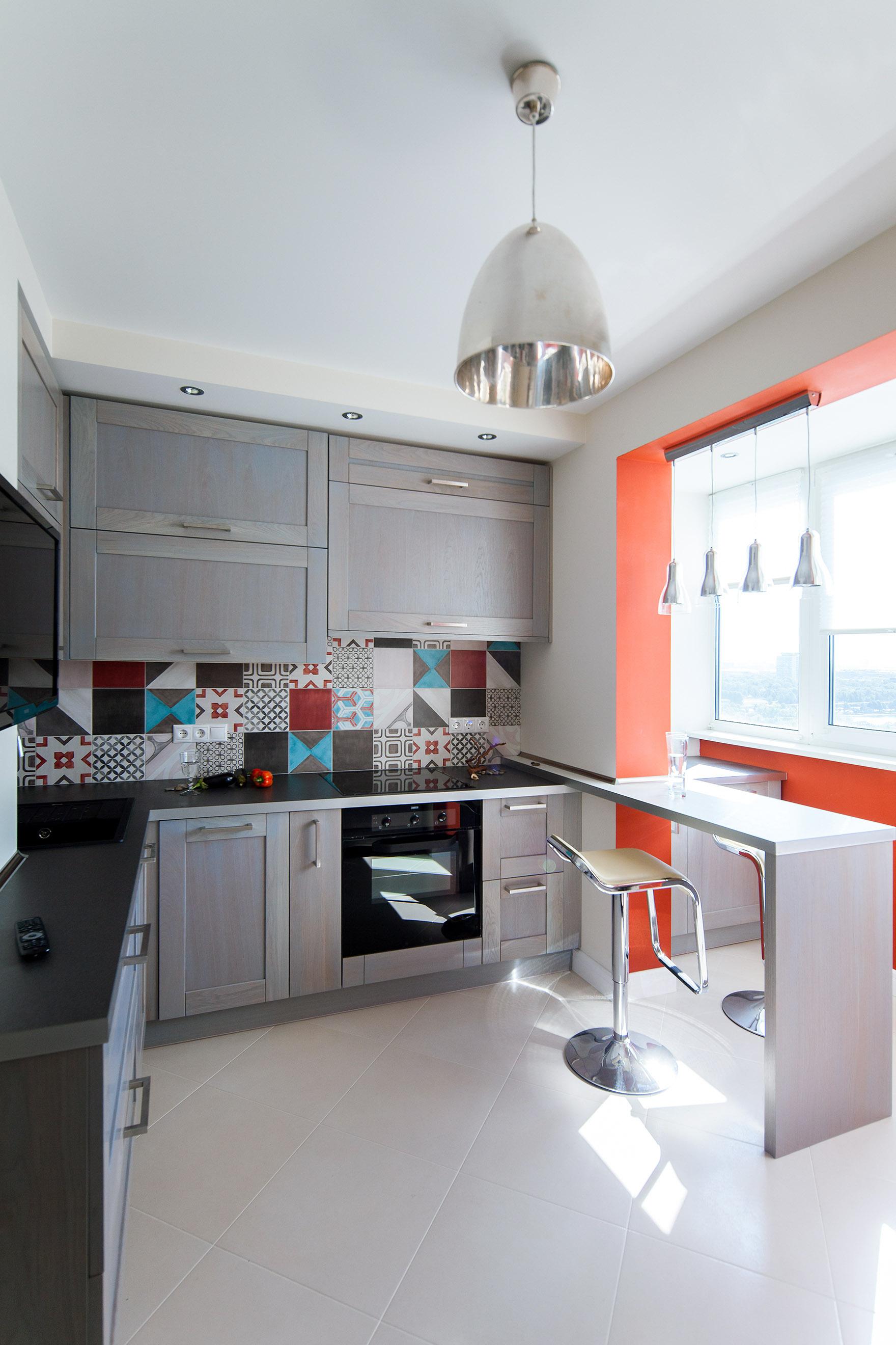 Мы нашли для вас фото, на которых кухня, объединённая с балк.