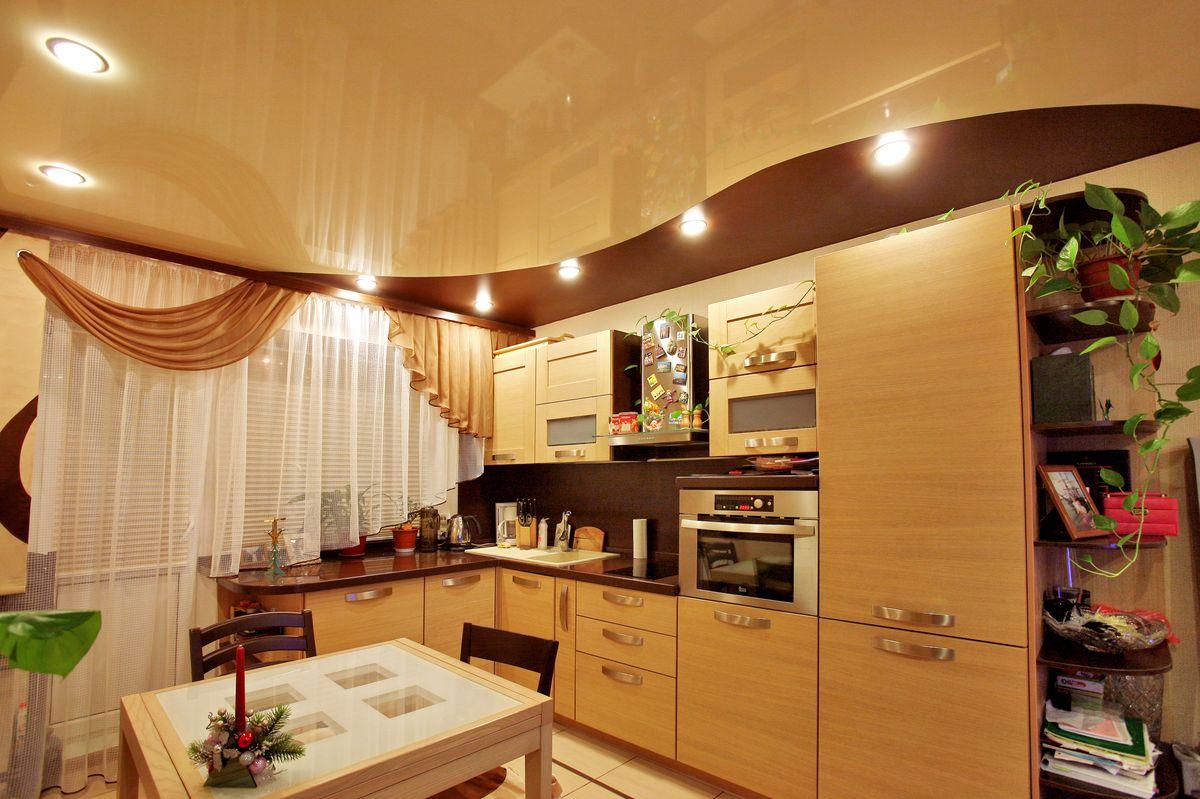 Оформление потолка на кухне фото