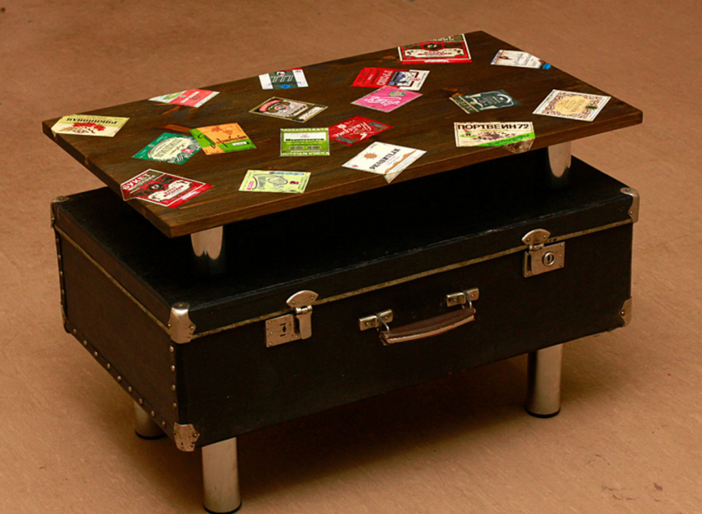 Декоративная тумба из чемодана