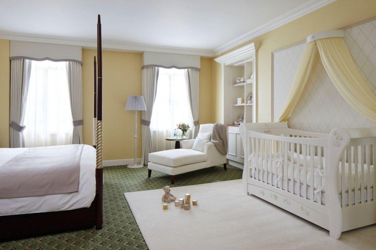 дизайн спальни с детской кроваткой фото 12 кв метров