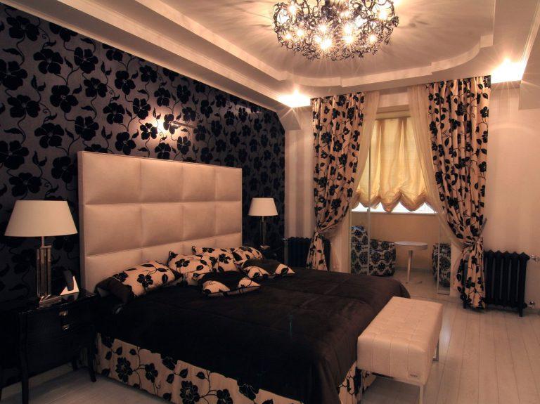 Дизайн черного потолка в спальне