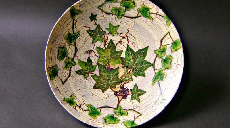 Роспись тарелки в технике декупаж
