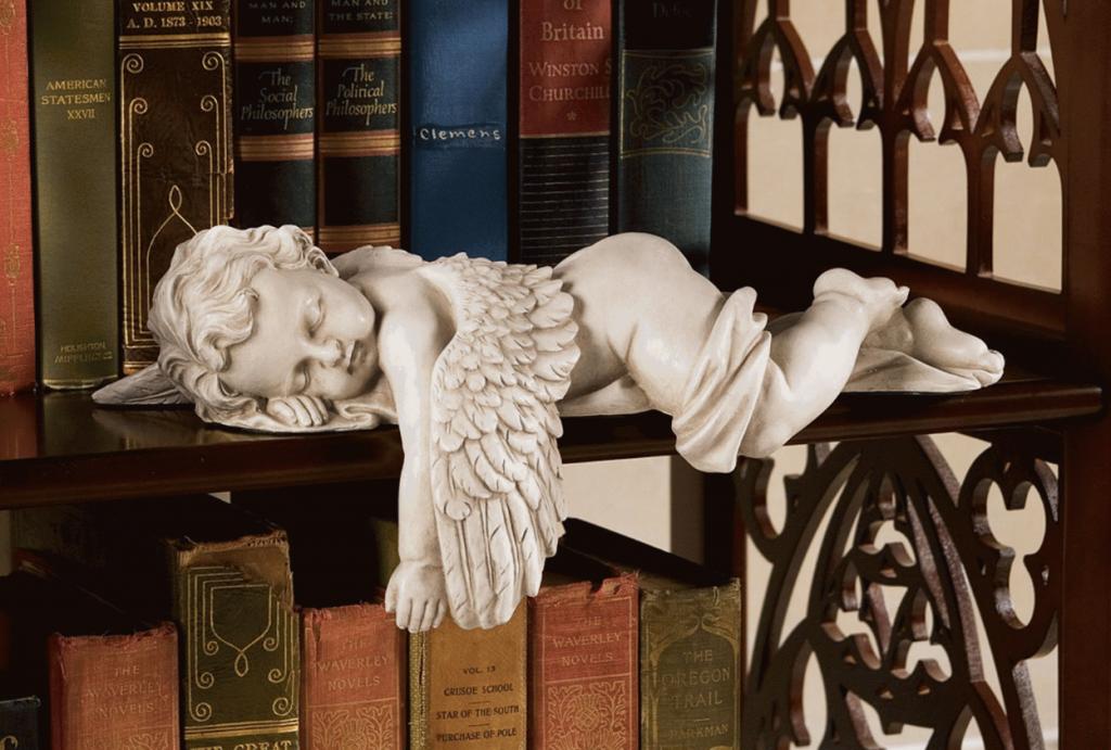 Декоративный элемент в виде ангелочка