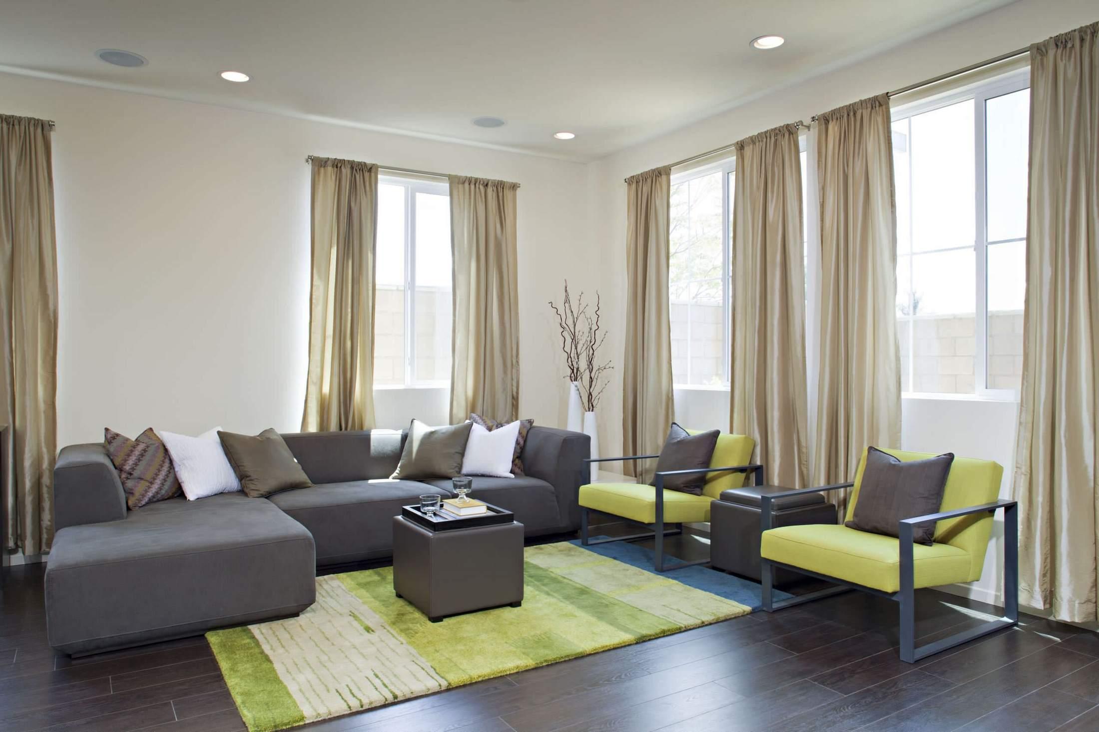 Цветовая гамма в интерьере гостиной фото
