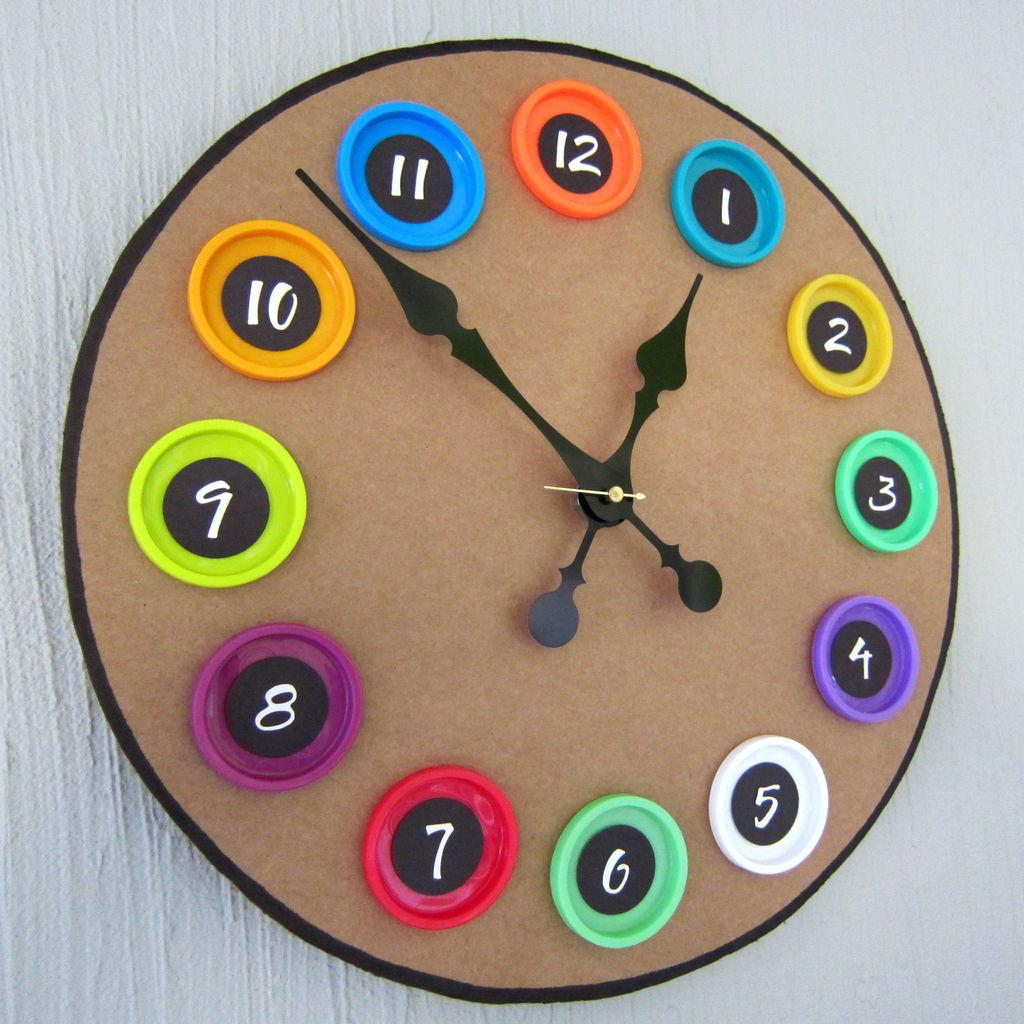 Настенные часы из картона