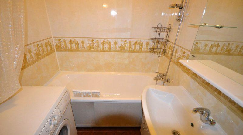Ремонт в ванной панелями с