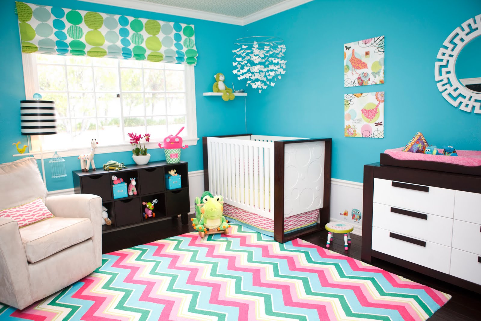 Комната в бирюзовых цветах дизайн