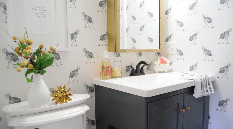 Как украсить ванную комнату дешево