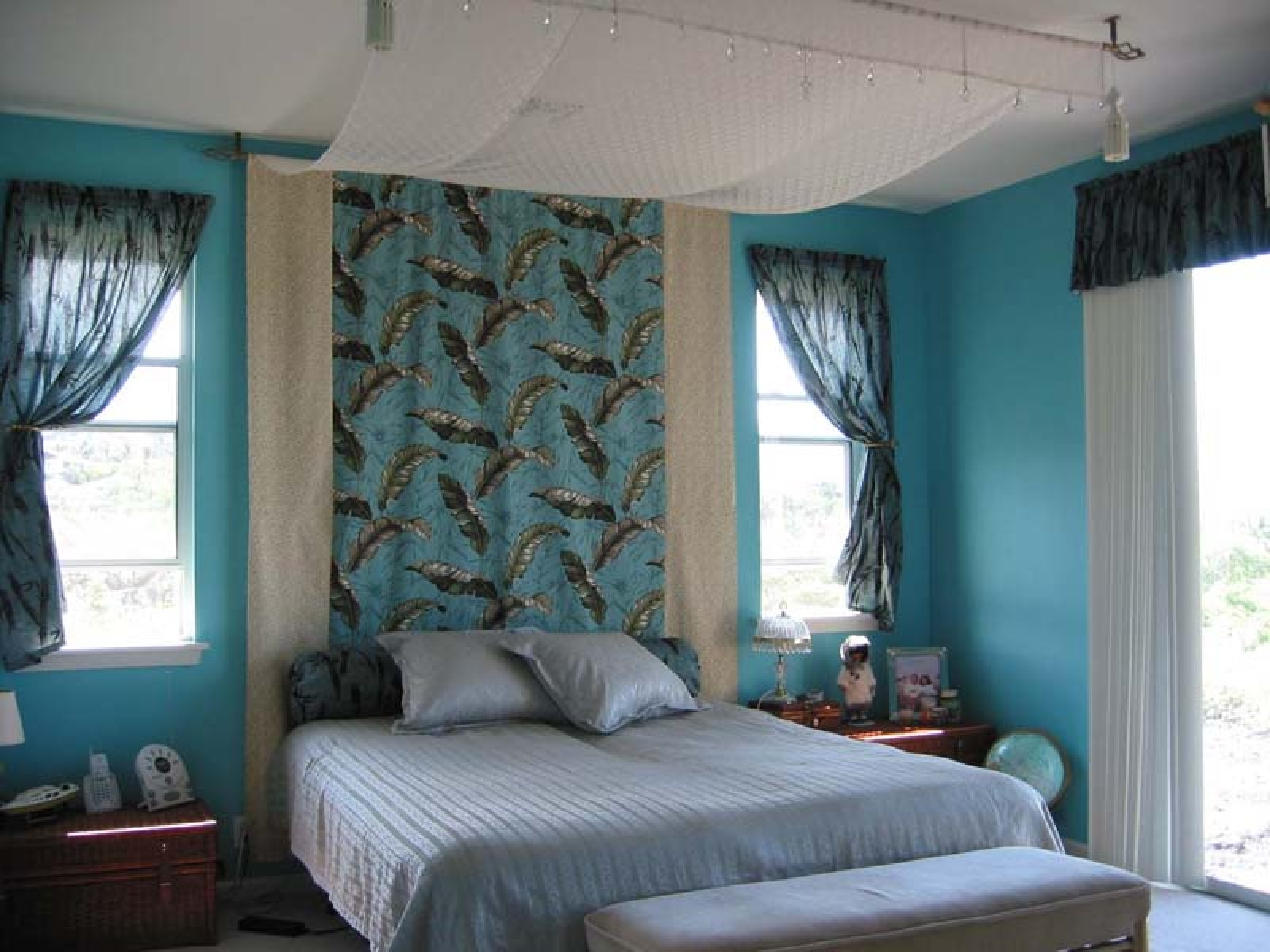 Как подобрать шторы в спальню: разновидности штор и их особенности (+53 фото)