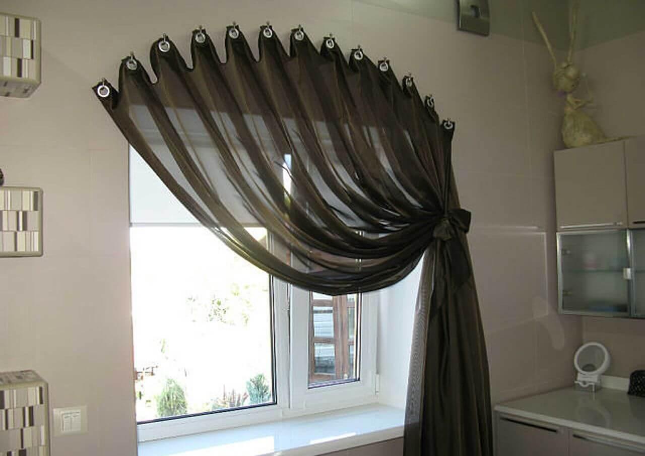 Шторы на маленькое окно: выбор ткани и цветовой гаммы (+38 ф.