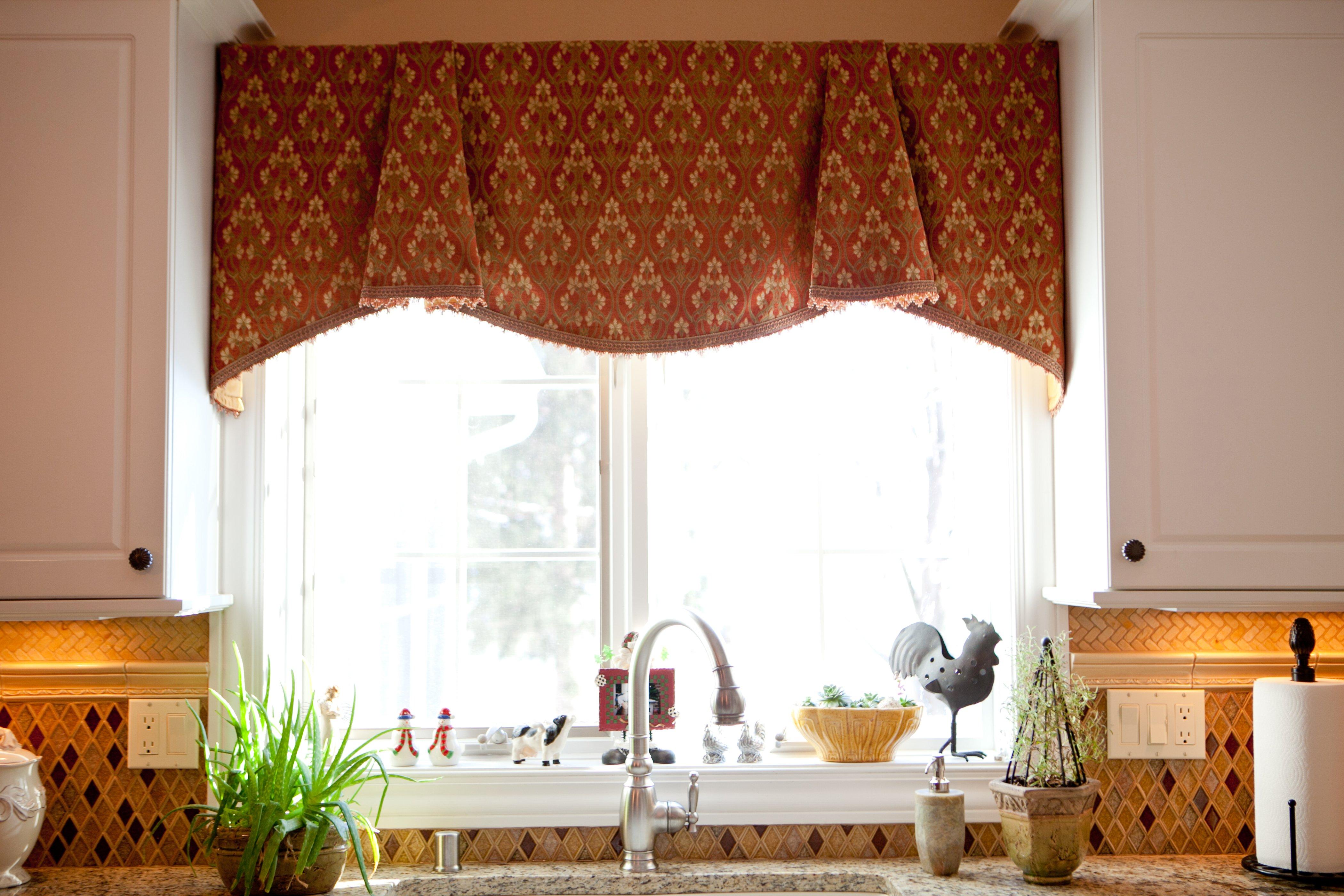 Ламбрекены на маленькие окна своими руками фото