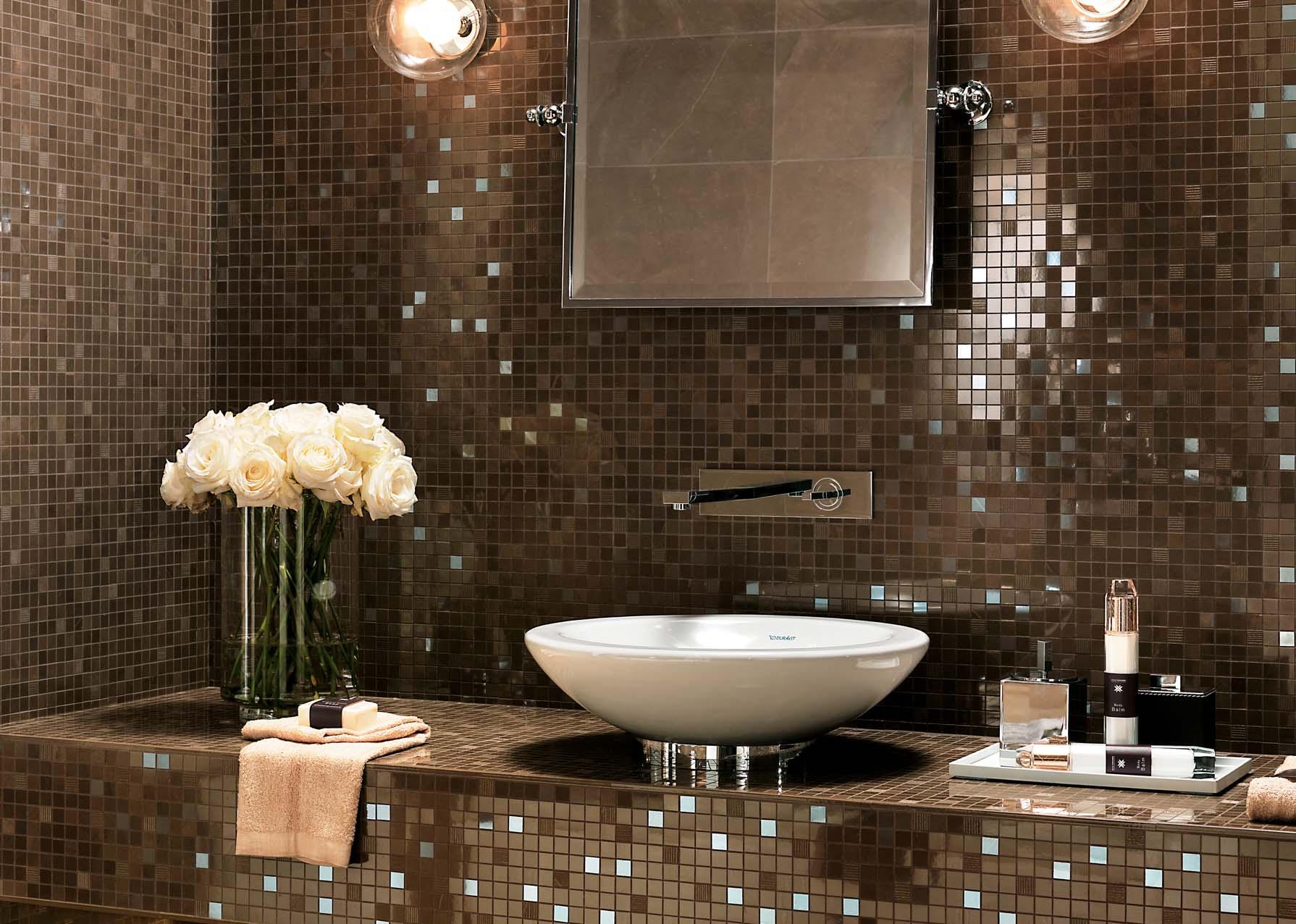 Дизайн ванной с плиткой мозаикой